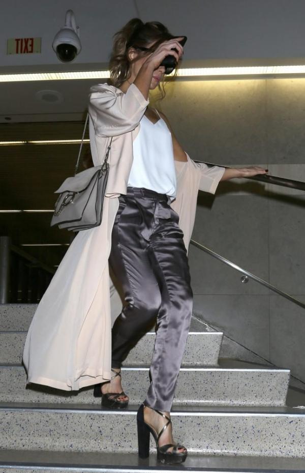 Kate Beckinsale's Pokies Photos 8