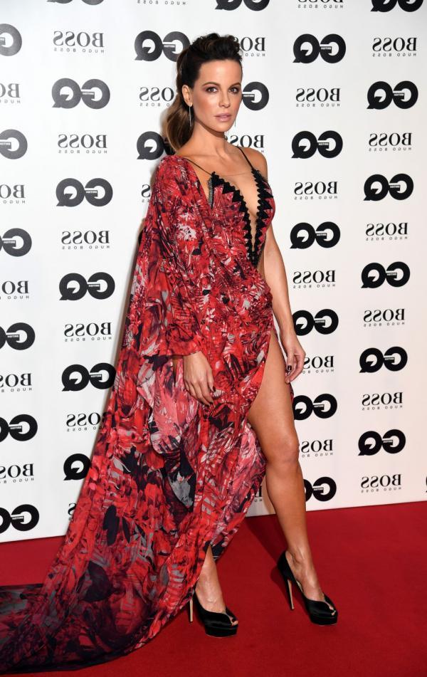 Kate Beckinsale Sexy Photos 11