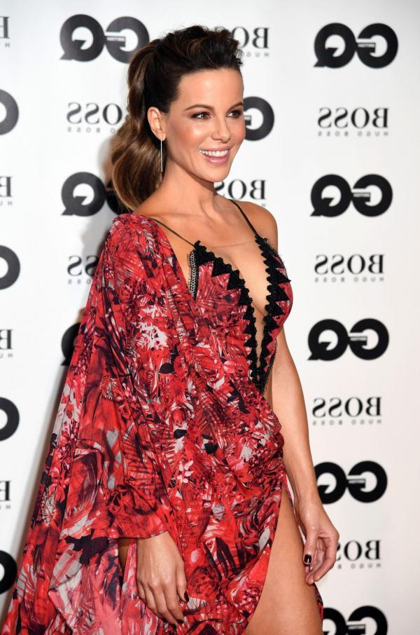 Kate Beckinsale Sexy Photos 12