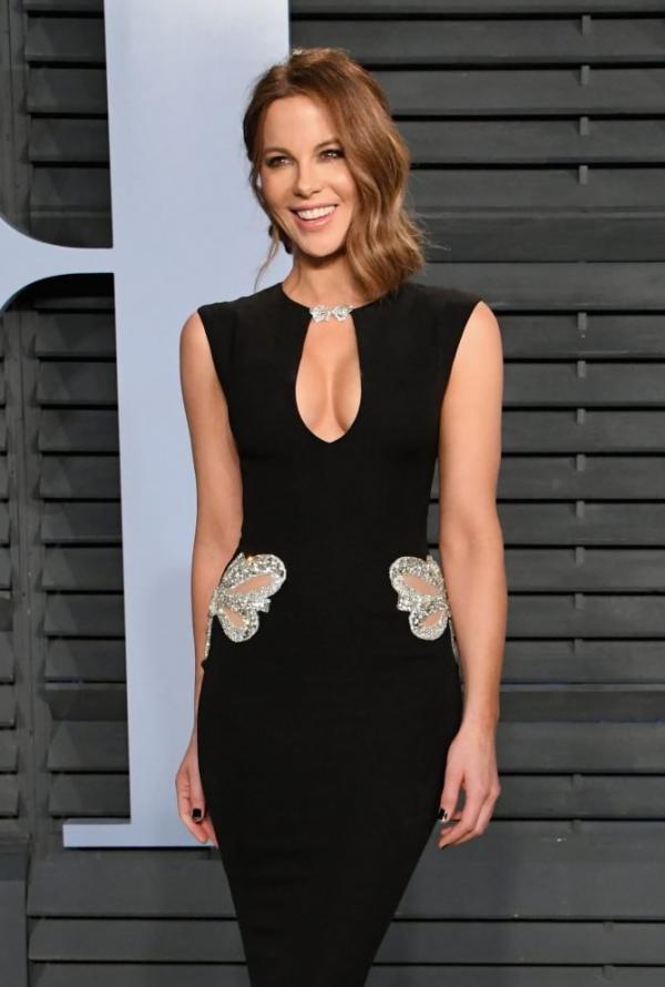 Kate Beckinsale Sexy Pics 10