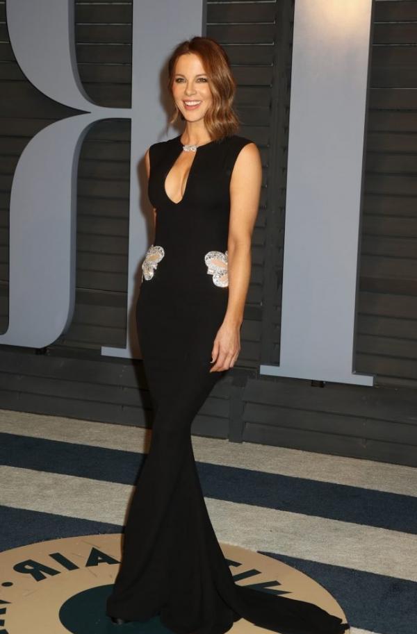 Kate Beckinsale Sexy Pics 11