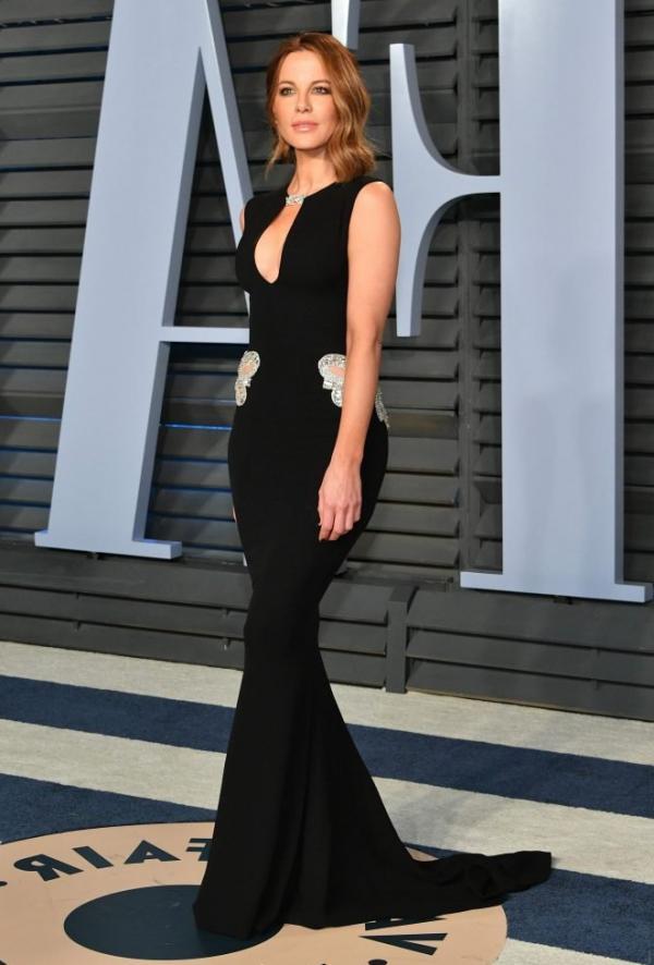 Kate Beckinsale Sexy Pics 12