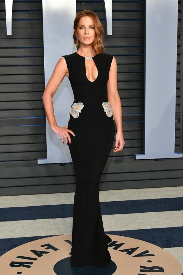 Kate Beckinsale Sexy Pics 14