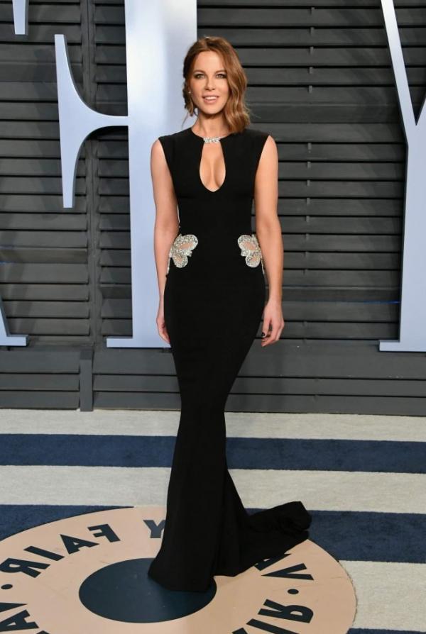 Kate Beckinsale Sexy Pics 19