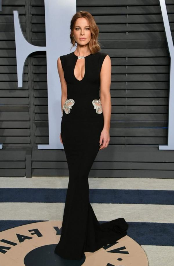 Kate Beckinsale Sexy Pics 23