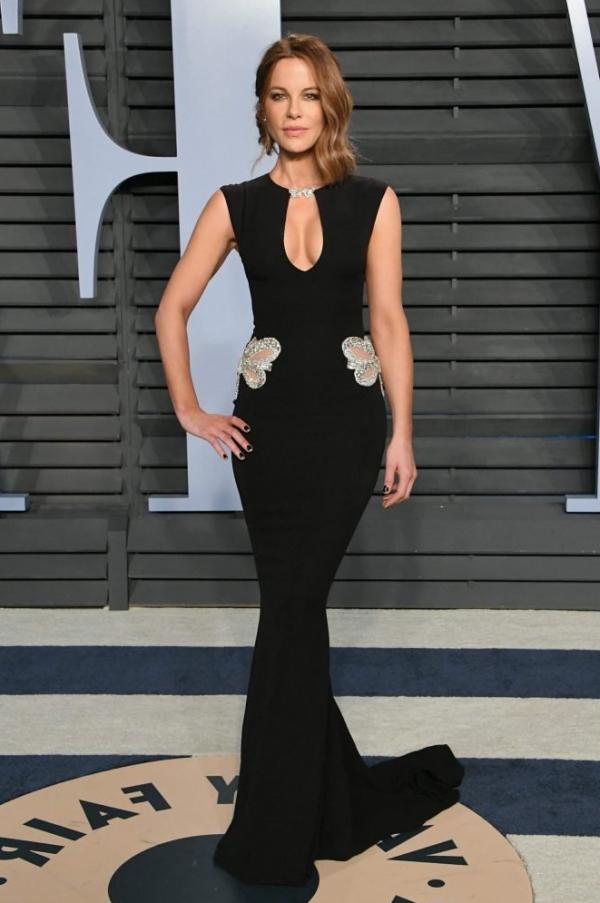 Kate Beckinsale Sexy Pics 24