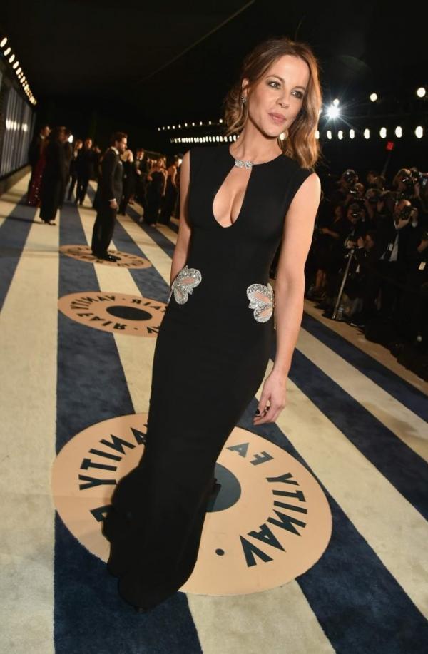 Kate Beckinsale Sexy Pics 25
