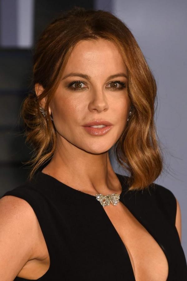 Kate Beckinsale Sexy Pics 29