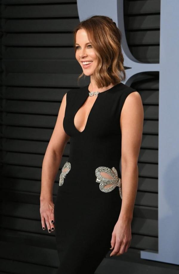 Kate Beckinsale Sexy Pics 33