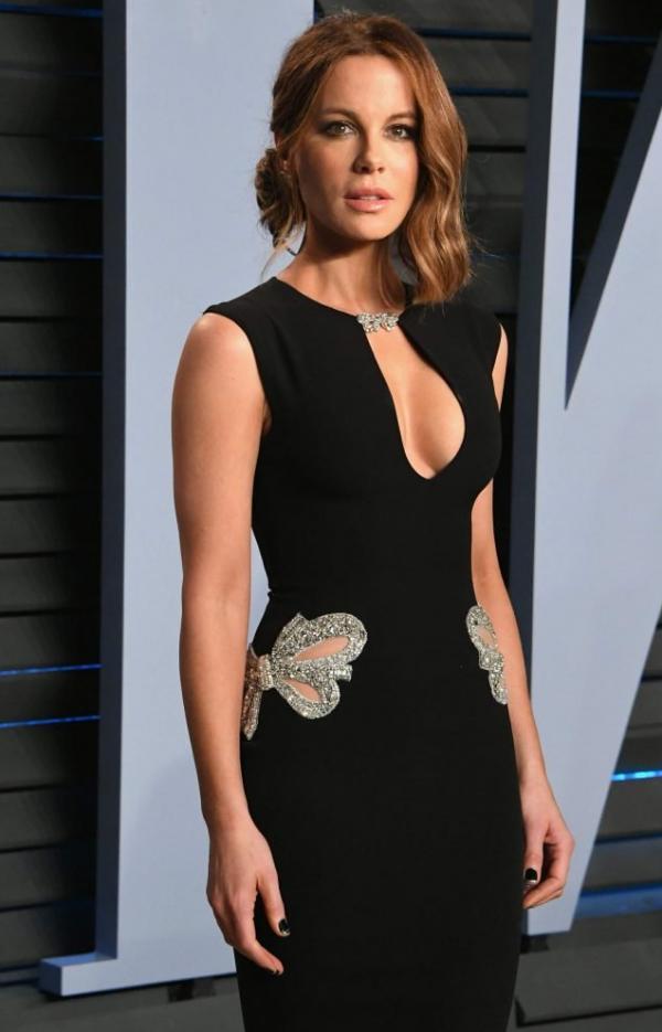 Kate Beckinsale Sexy Pics 34