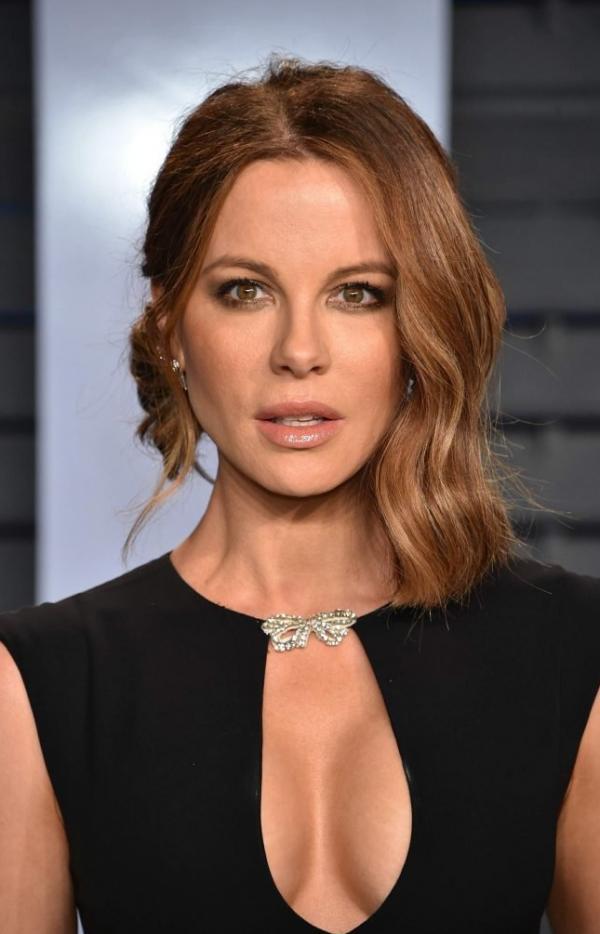 Kate Beckinsale Sexy Pics 35