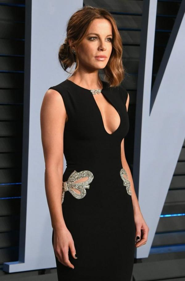 Kate Beckinsale Sexy Pics 38