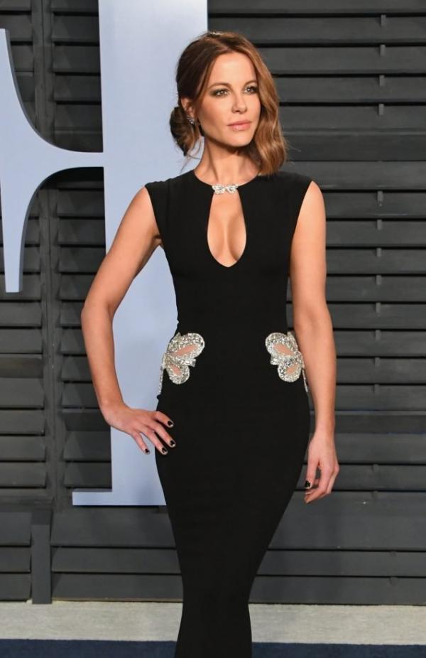 Kate Beckinsale Sexy Pics 9