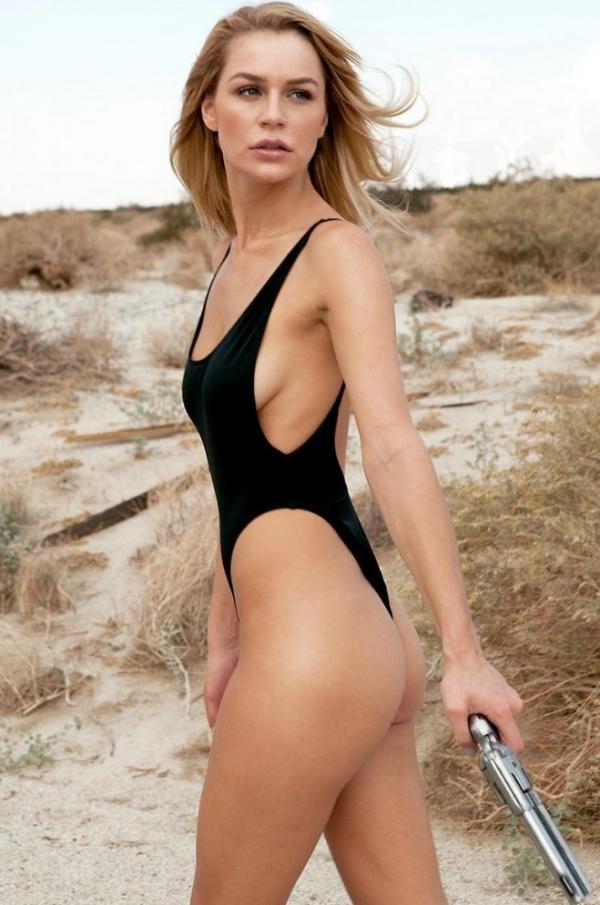 Kate Compton Naked Photos 13