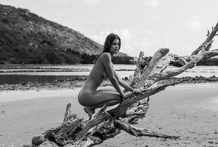 Katelyn Pascavis Nude Photos 12