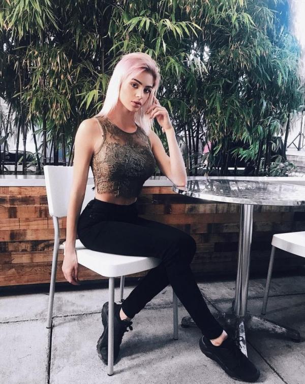 Kristen Hancher Sexy Photos 24