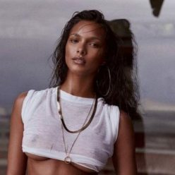 Lais Ribeiro Sexy Topless Photos 42