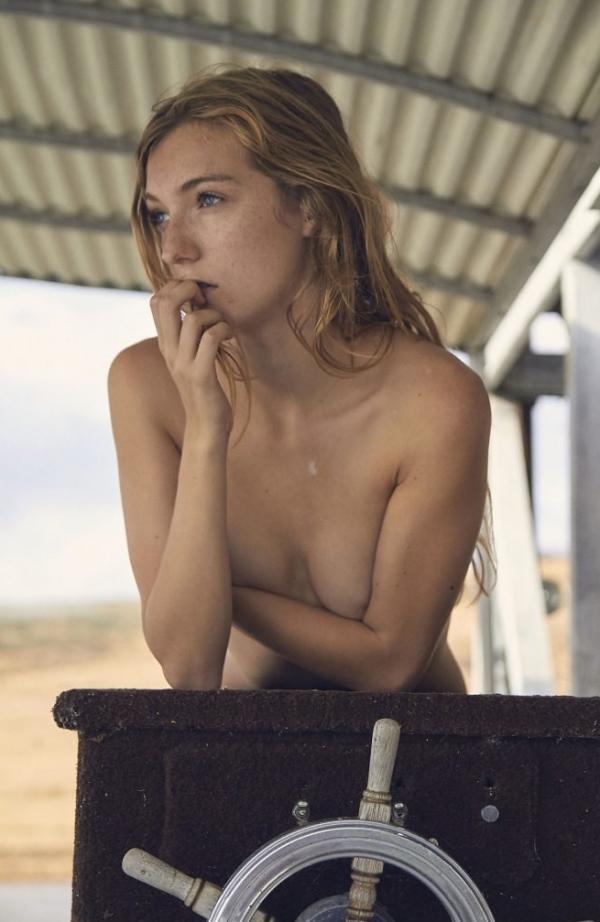 Lauren Hurlbut Sexy Topless Photos 18