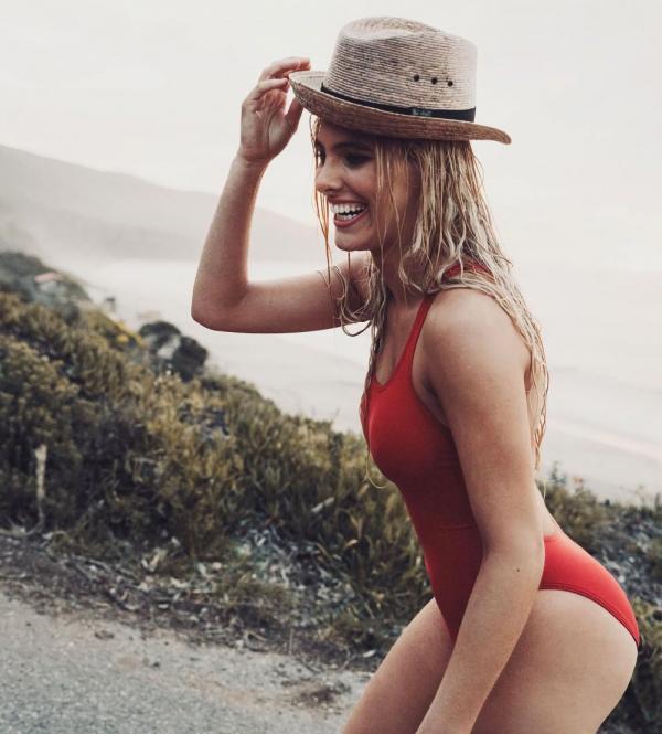 Lele Pons Sexy Topless Photos 8