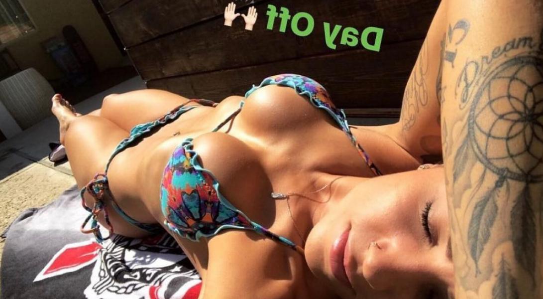 Leticia Bufoni Nude Sexy Photos 46