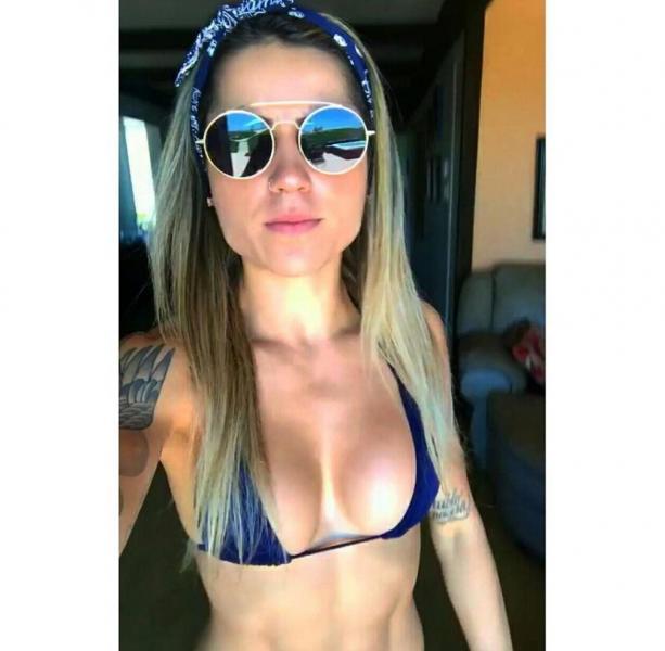 Leticia Bufoni Nude Sexy Photos 47