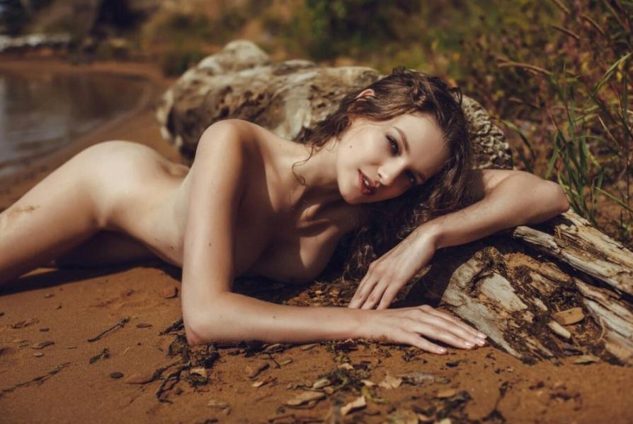 Liana Klevtsova Nude Photos 10