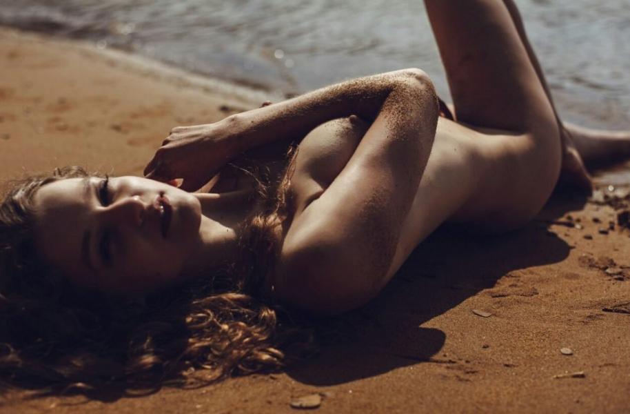 Liana Klevtsova Nude Photos 11