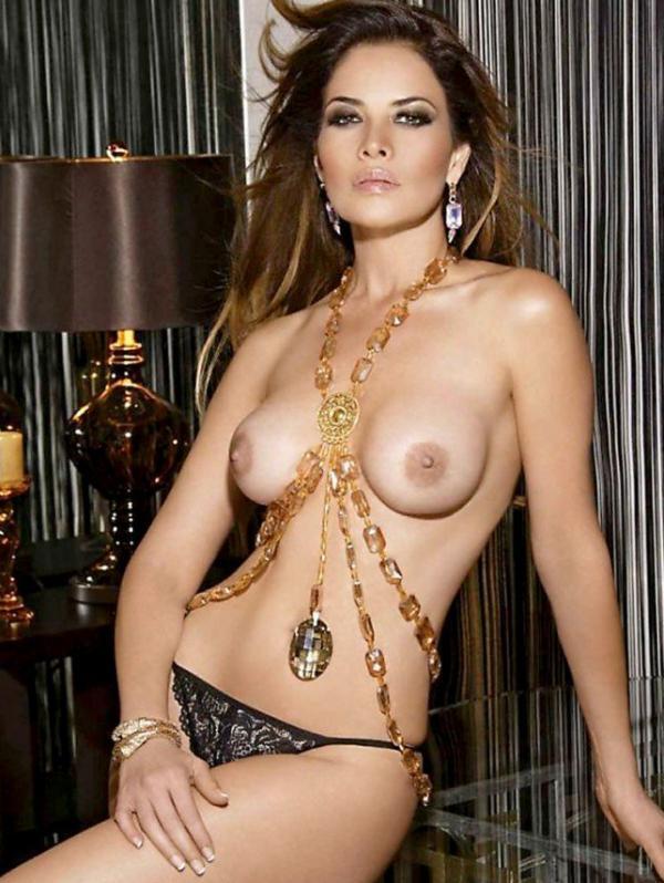 Lili Brillanti Nude Photos 13