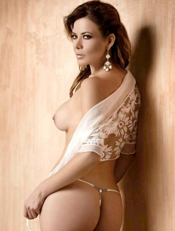 Lili Brillanti Nude Photos 9