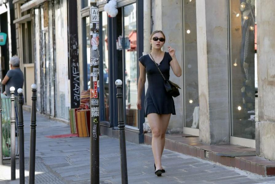Lily Rose Depp Sexy Photos 30