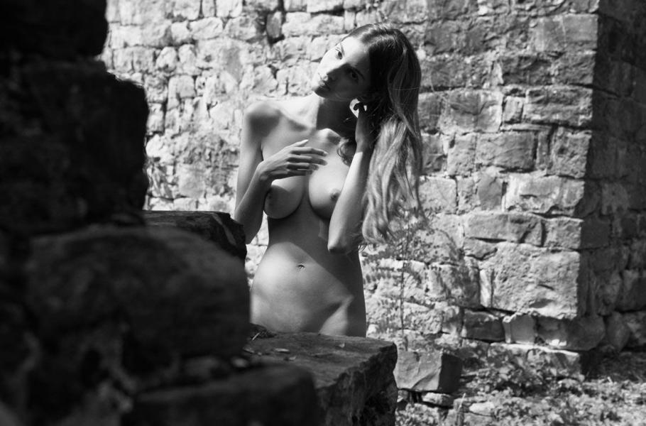 Lina Lorenza Nude Photos 8