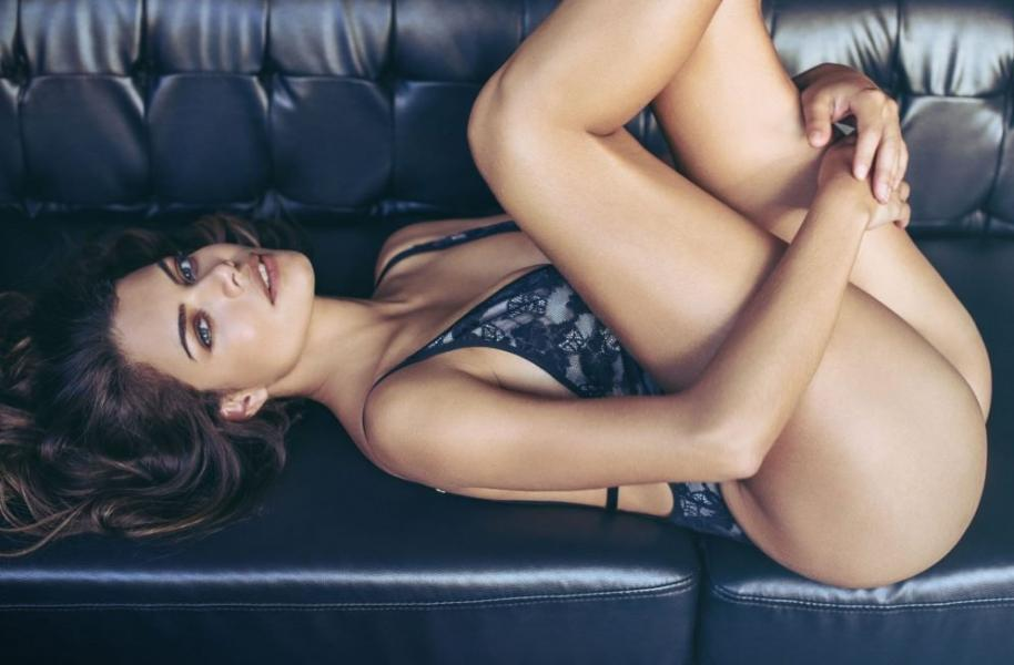 Linda Palacio Nude Sexy Photos 11