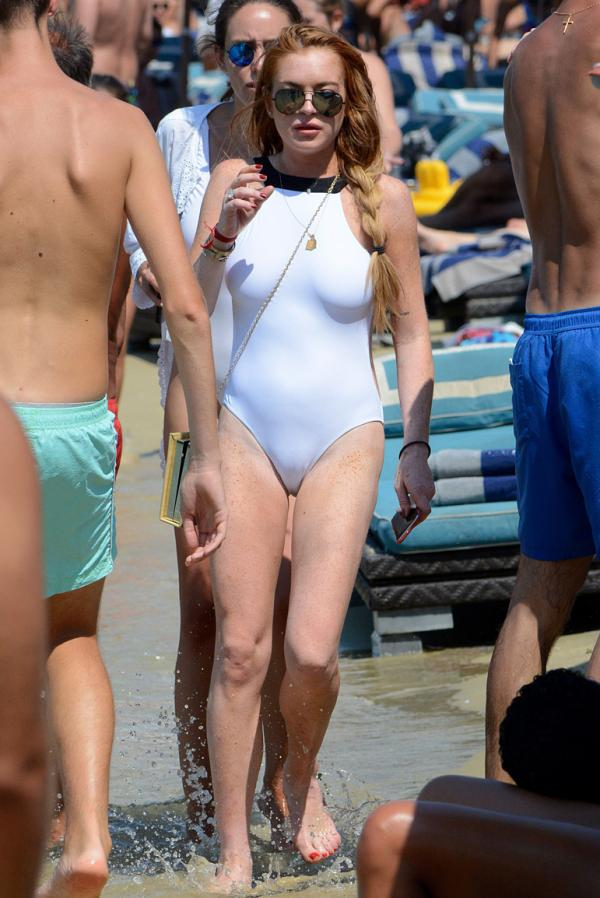 Lindsay Lohan Cameltoe Pokies Photos 1