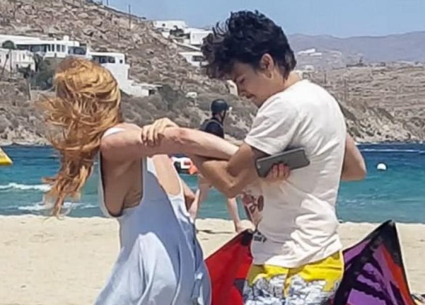 Lindsay Lohan Tit Slip Photos 21