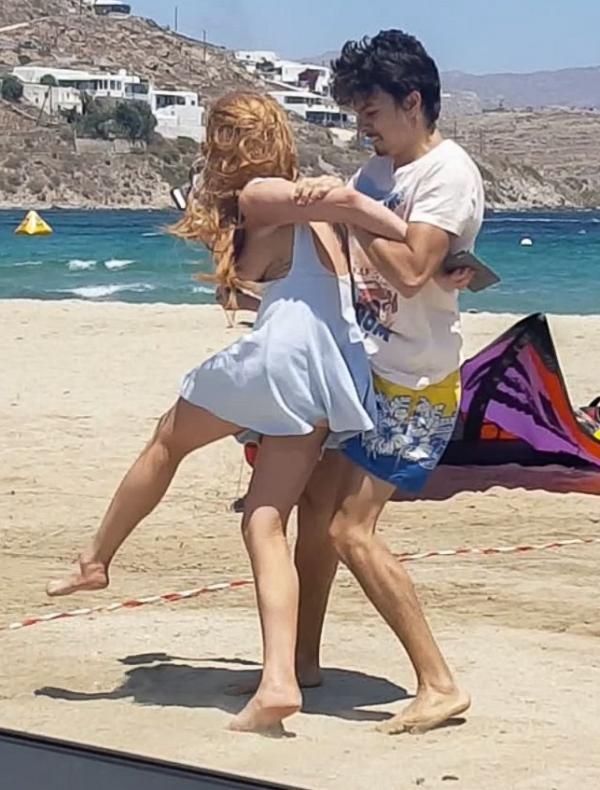 Lindsay Lohan Tit Slip Photos 5