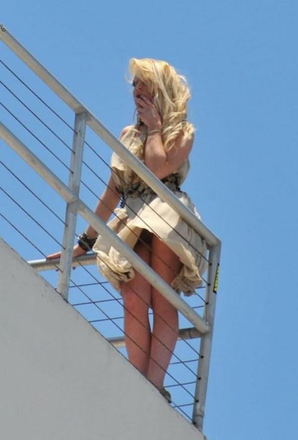 Lindsay Lohan Upskirt Photos 2