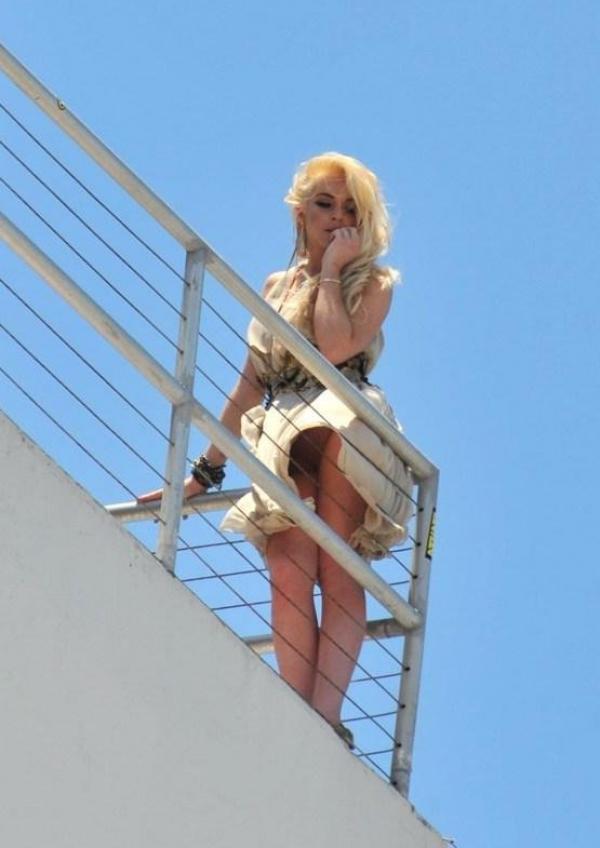Lindsay Lohan Upskirt Photos 5