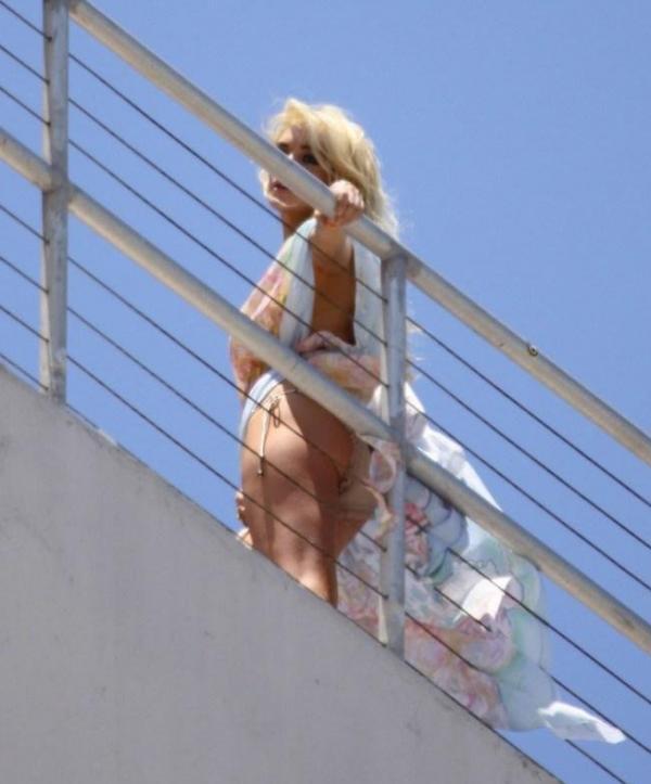 Lindsay Lohan Upskirt Photos 7