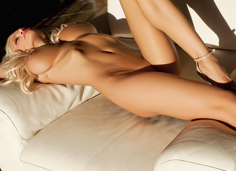 Lindsey Pelas Naked Photos 2