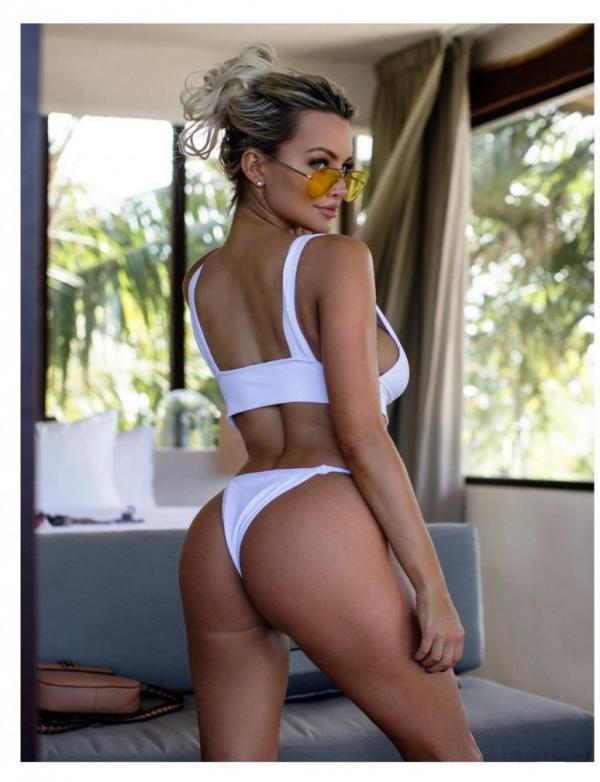 Lindsey Pelas Nude The Fappening Photos 7