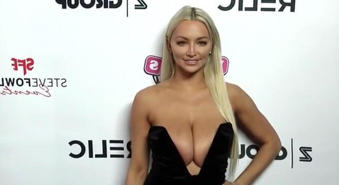 Lindsey Pelas Shows Off Her Huge Boobs For All Photos 27