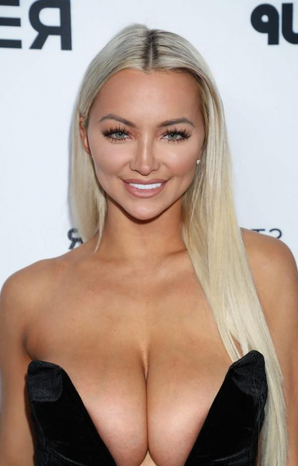 Lindsey Pelas Shows Off Her Huge Boobs For All Photos 5