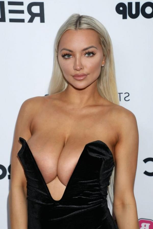Lindsey Pelas Shows Off Her Huge Boobs For All Photos 8