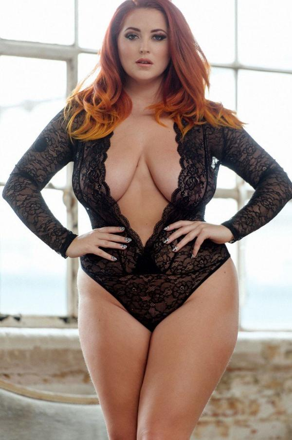 Lucy Collett Sexy and Topless Hot Photos 1