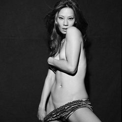 Lucy Liu Sexy Topless Photos 7