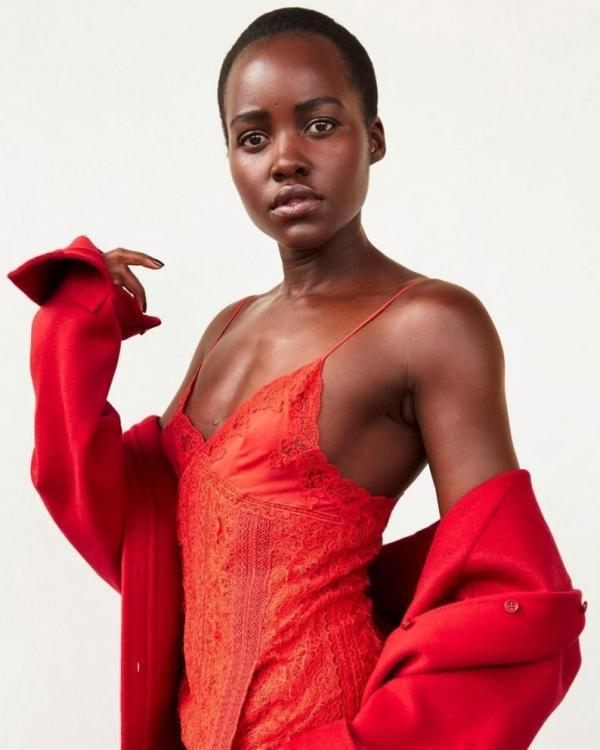 Lupita Nyongo Nude Sexy Photos 15