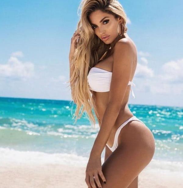 Lyna Perez Nude Sexy Photos 48