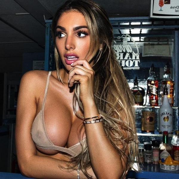 Lyna Perez Nude Sexy Photos 5