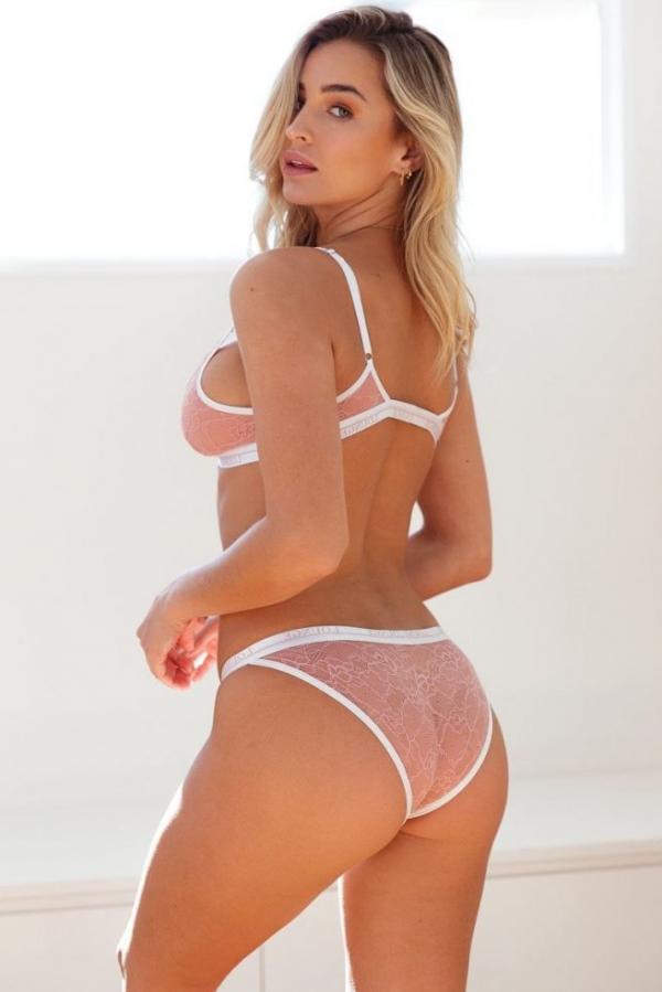 Madi Edwards Sexy Topless Photos 119