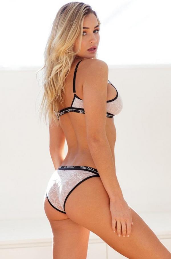 Madi Edwards Sexy Topless Photos 126